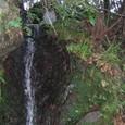 小さな滝の滝口